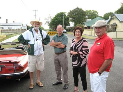 small furry friend) with Jan Hissey Below: Ian Hissey, Bill Whitby, Marg Patriaca and John Moremon went through Seahampton to Kurri Kurri and on to Lorn.