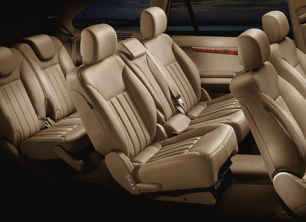 R 350 shown with Almond Beige interior, and optional 7-passenger seating,