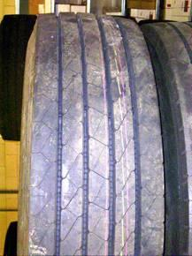 The distribution of make and type represents the usage of tyres on highways in the Netherlands,