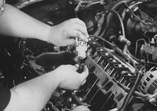 Please read the assembly instructions included with the timing chain and gear set. After deciding how the crankshaft gear is to be installed, install the timing chain and gears.