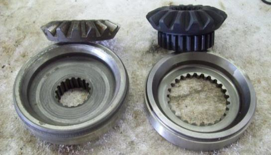 The axle gears of the original DANA unit are 2-piece whereas the Nitro axle gear is ONE piece.
