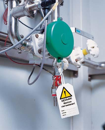 Recommended lock : Safety Padlock and Safety Lockout.