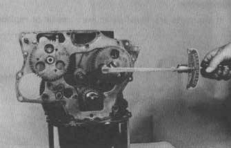 8. Before installing the camshafts and timing gears, turn the crankshaft to set the No. 1 cylinder to top dead center (TDC) of the compression stroke.