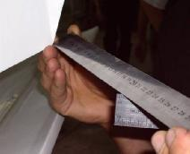 3.4.1 Verification of rudder deflection Maximum rudder deflection is measured at the lower trailing edge of the rudder as shown in Fig 17. 206-228mm (8-9 in) Fig.