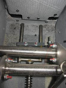 3.3.2 Detach Nose Wheel Steering Detach the pushrods of the nose wheel steering unscrew two (2), DIN 912 M6 bolts from the left and right sides (Fig. 7, 8).