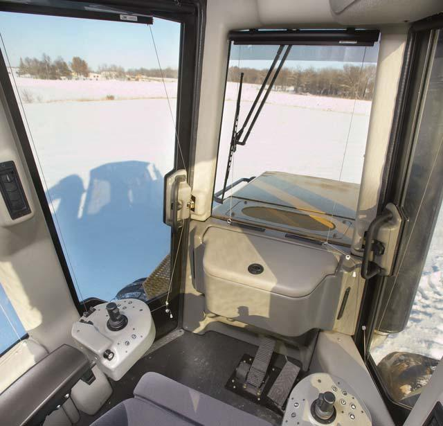 Operator Station Efficient, productive and spacious Maximum Production, Comfortable Work Spacious purpose built forestry cab with excellent sight lines to the work area.