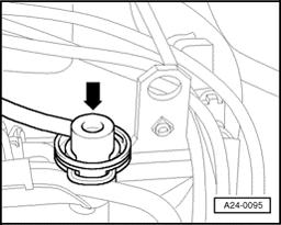 24-83 If specification obtained - Disconnect the vacuum hose off fuel pressure regulator -arrow- Fuel pressure must increase to approx. 4.0 bar - Switch OFF ignition.