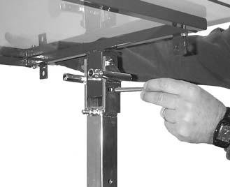Slide the hydraulic lift assembly onto the lift support bar. (Figure 3). 4.