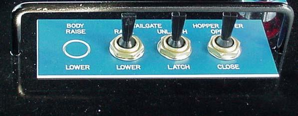 AIR TOGGLE SWITCHES on IN-CAB CONTROL PANEL 1 2 3 1. TAILGATE RAISE/LOWER TOGGLE SWITCH controls raising and lowering of the tailgate. A. Push switch to raise. B. Pull switch to lower. 2. TAILGATE LOCK/UNLOCK TOGGLE SWITCH controls locking and unlocking of the tailgate.