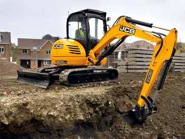 pipework to the dipper for powering attachments The JCB 8040 ZTS, 8045 ZTS and 8050 RTS/ZTS feature a 34kW (46hp) engine, making these machines very powerful for this class of excavator.