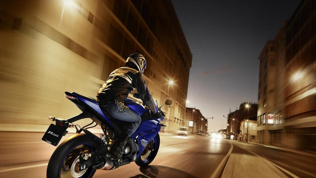 The R-series start here With its distinctive R-series styling, sporty performance and handling, the YZF-R125 is the perfect introduction to supersport riding.