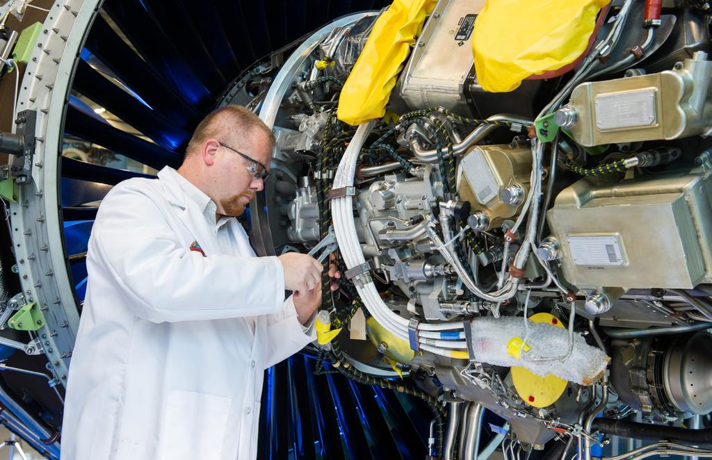 Pratt & Whitney unlocks new capabilities and value by streamlining their infrastructure with an upgrade and consolidation from MCA v7 and SPM v9 to SPM v11 solution Pratt & Whitney When Pratt &