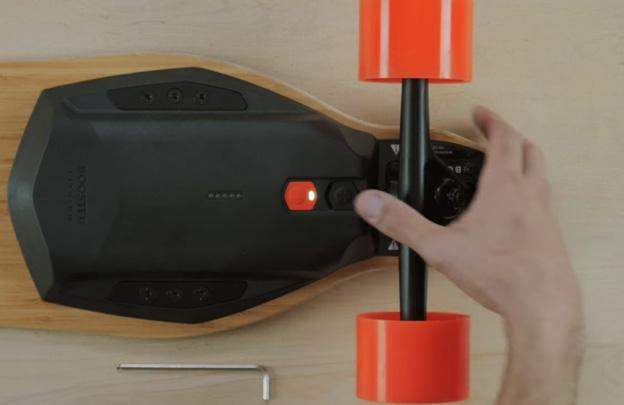 Replacing Your 2nd Generation Battery Pack Video tutorial: https://www.youtube.com/watch?v=xvcfwpo8rok Tools needed: 4mm hex tool.