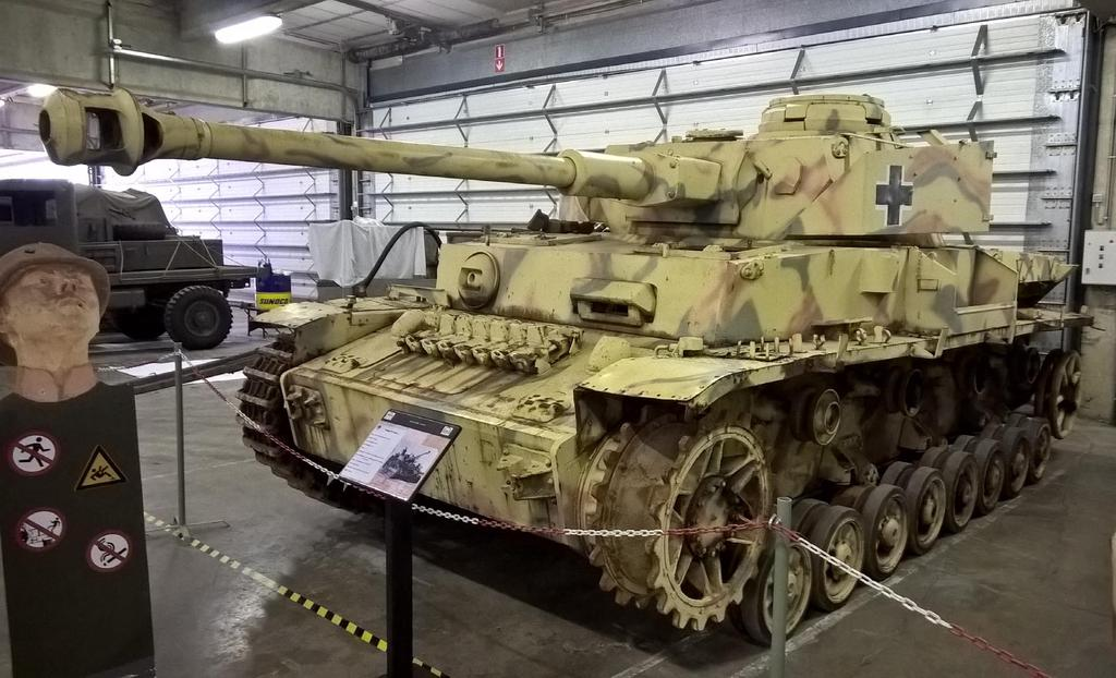 Moore, May 2015 Panzerbefehlswagen IV Ausf.