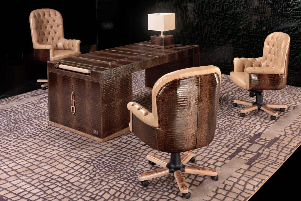 mod. Wall Street leather golden croco brown base in poplar veneer col.beige rectangular stirrups col. copper Plaza medium lamp cm28x28x47h shade in sateen cocco beige metal fittings col.