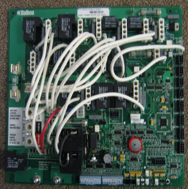 *Control Packs Circuit Boards ** only needs to be ordered if problem with pump 2 Master Spas Complete Parts Manual X300020 X800650 X800660 X800700 X800750 X800600 X800800 X800300 X800900 X800950