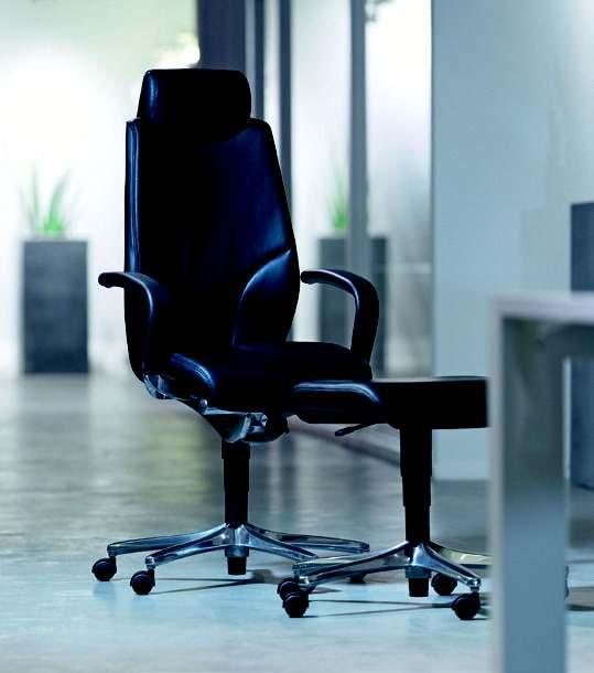 giroflex 64 Swivel chair: the executive chair appeals with modern technology and first class workmanship.