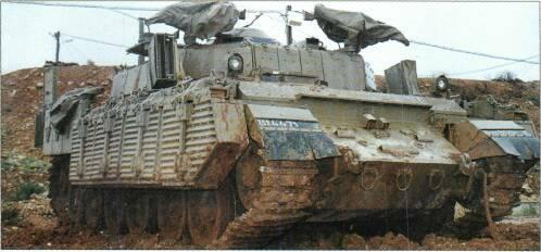 Centurion Mk 13 MBT (UK) Israeli Centurions have all been rebuilt with 105mm gun and diesel engine, many fitted with explosive reactive armour. Can also have dozer blade and mine-clearing devices.