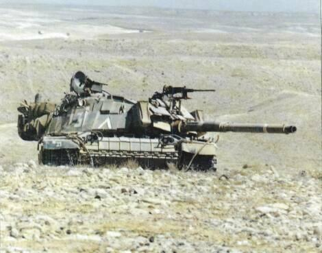 LIGHT TANKS AND MAIN BATTLE TANKS M728, combat engineer vehicle. M60 AVLB. In Israel, most M60s fitted with Blazer reactive armour, new commander's cupola with external 7.62mm MG, 7.
