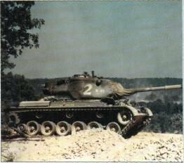 M4Z Medium Tank (USA) KEY RECOGNITION FEATURES Well sloped glacis plate with 7.