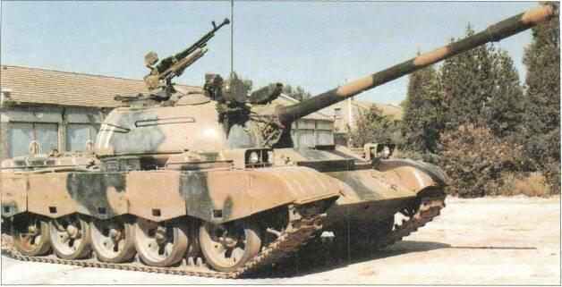 LIGHT TANKS AND MAIN BATTLE TANKS crane right side of hull. In service with Chinese Army. Further development has resulted in the Type 80 and Type 85 MBTs (qv).