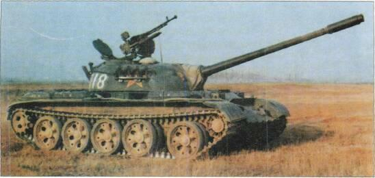 LIGHT TANKS AND MAIN BATTLE TANKS Left; Type 59 with the Chinese Army since the early 1980s. Referred to as M1984 by the US Army. This is called the Type 59-II.