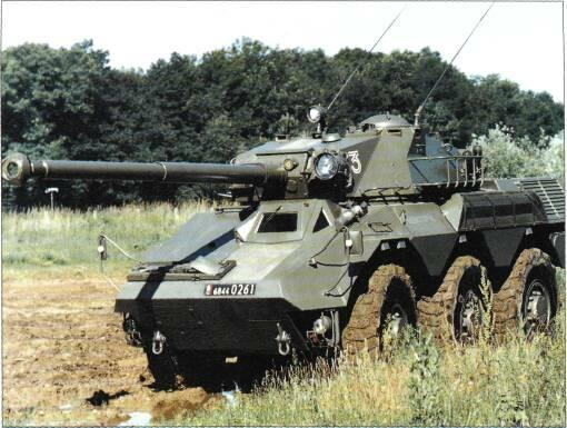 6x6 VEHICLES VARIANTS There were many variants of the Renault VBC 90 (6x6) armoured car but apart from the standard production model with the GIAT Industries TS-90 turret, none of these ever went
