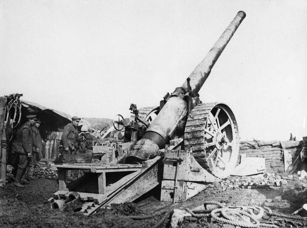 Artillery Artillery dominated the First World War battlefield and inflicted the majority of casualties. The Gunner s War The number of artillery guns expanded enormously during the war.