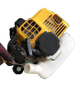Dust block on the cover of air filter will reduce engine power, cause cylinder short life.