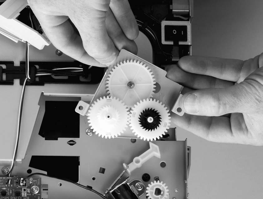 Figure 6-21. Duplex-drive gears (HP LaserJet 1320 Series printers) and Figure 6-22. Facedown gears (HP LaserJet 1160 printers) show the differences between duplex-drive gears and face-down gears.