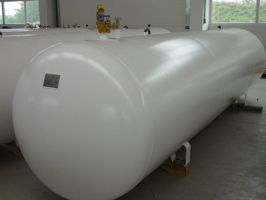 LPG STORAGE TANKS OVERGROUND Ø 1250mm Materials Bottom: thickness 5,7mm, S355J2+N AD/W1;