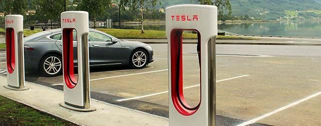 FAST CHARGING TECHNOLOGIES 50 kw 120-150 kw <350 kw Equivalent capacity Urban 10 Flats Highway 30
