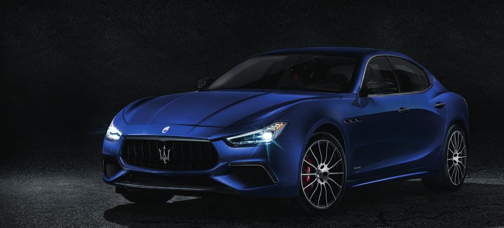 B O L D S T A T E M E N T ELEGANTLY DELIVERED Bold, graceful, assertive and elegant, the Maserati Ghibli offers something very different in a world of grey, business-like conformity.