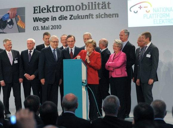 1. Activities of the German Government The National Electric Mobility Platform In May 2010 the National Platform for Electric Mobility (NPE) was established by Federal Chancellor Angela Merkel at the