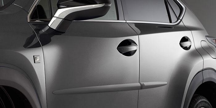 00* Sleek and amazingly durable, Lexus body side mouldings feature a high-quality body-color finish and are rigorously tested for impact and chip resistance in extreme climates.