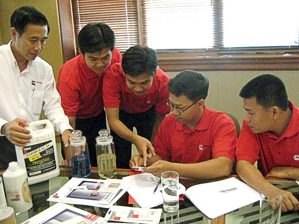 Pipat, Thailand s Business Manager, and Vincent Leong, Cummins Filtration Business Manager, conducted a training seminar last April for the CK sales staff; this team is headed by Cristopher Borja, CK