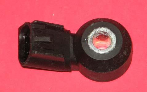 Alternate No Delco 213-1576 Knock Sensor SMP KS211 Price $5.50 2004-07 GM / Isuzu Vehicles: 3.5L / 3.9L / 4.4L / 4.6L / 4.8 l / 5.3L / 6.2L / 7.
