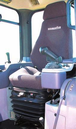 MONITOR SYSTEM D475A-5SD S UPER PALM COMMAND CONTROL SYSTEM (PCCS) Komatsu s new ergonomically designed control system PCCS creates an operating environment with complete operator control.