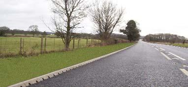 For highway applications where the kerb profile needs to change from 45º splay to half battered and back again, such as alongside footpaths or at the approaches to urban areas, continuous drainage