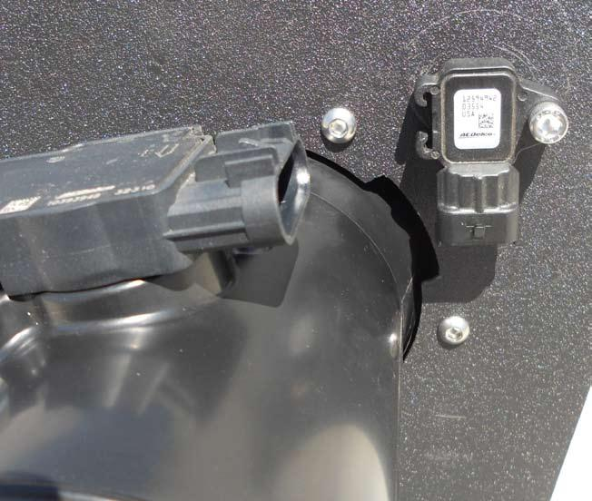 INSTALL Figure F Refer to Figure F for step 13 Step 13. 2011 and newer 6.0 and 6.2L trucks have an extra sensor on the airbox.