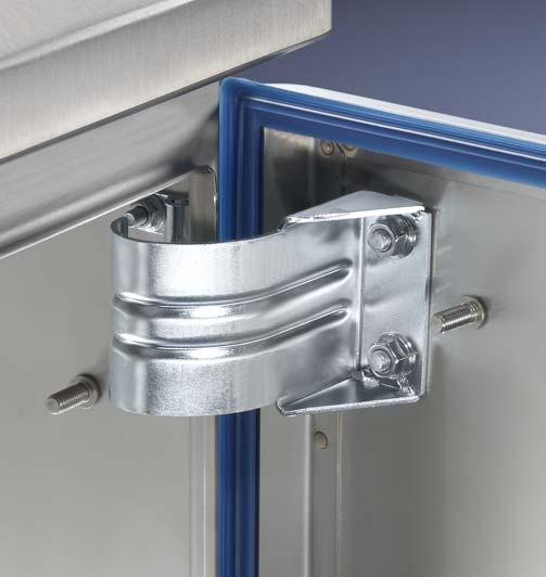 vented door Doors with 80 hinges and comfort handles,