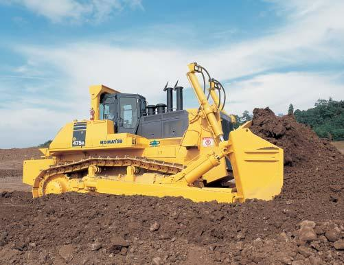 The Komatsu SAA12V140E-3 engine delivers 664 kw 890 HP at 2000 rpm. These features, together with the heavy machine weight, make the a superior crawler dozer in both ripping and dozing production.