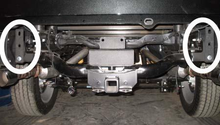 kit nuts (7/16 Nylock). DO NOT TIGHTEN. Kit 1/2 and Nuts Kit Bracket (Rear Bumper) 2.
