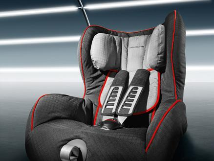 3 Also available as Porsche Junior Plus Seat ISOFIT. Porsche child seats breathable, hypoallergenic and easy to system.