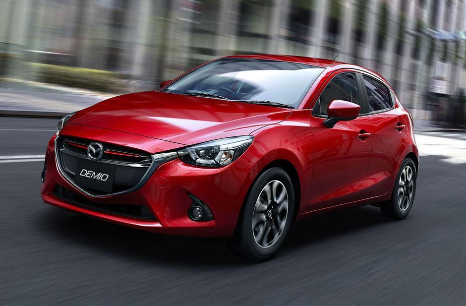 EXPANSION OF SKYACTIV LINE-UP [New Mazda3/Axela] Sales are strong globally - Japan: Sales are strong thanks to wide range of available engines including gasoline, diesel and hybrid - North America: