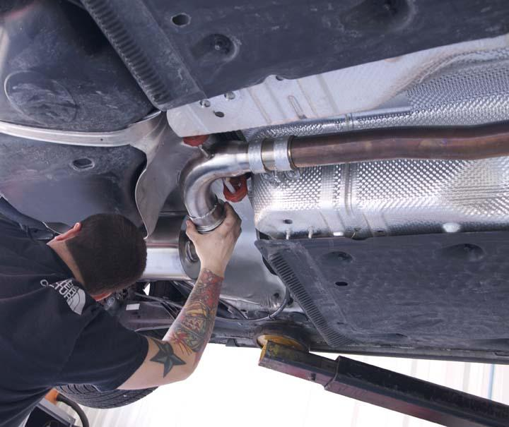 2. Install the first muffler section into the hanger, then clamp it with the J-pipe. 3.