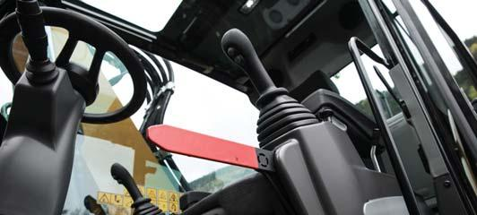 swing lock Automatic brake and axle lock Safety lever, preventing exit when the implements are not locked out Emergency