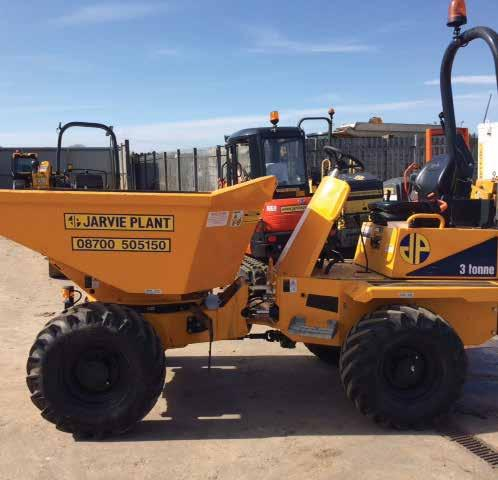 31 umpers 3 onne Swivel umper hese Swivel skip dumpers allow for working in confined spaces with the swivel side tip option and are especially useful when working on roads so as to avoid traffic