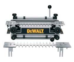 1/2 (12mm) ROUTERS / DOVETAIL JIG 2000 Watt ½ (12mm) Variable Speed Plunge Router DW625EK/ DW625E* Soft start to eliminate small initial movements that might misalign the cutter, especially important