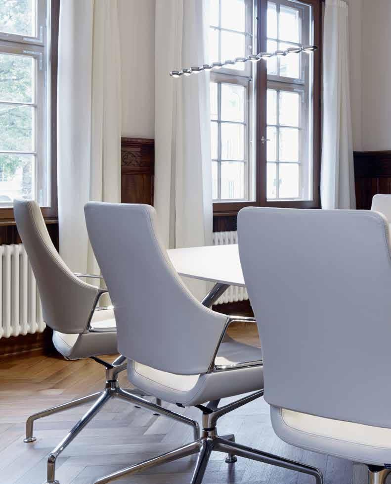 A distinctive design and exceptional comfort: the Graph conference chair offers
